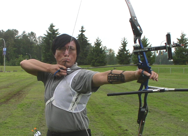 Longbow or Recurve Bow? Our Guide to Discovering Archery in 2016