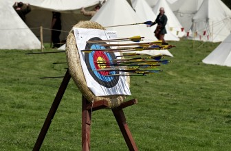 Learning To Shoot A Longbow – Beginner Tips